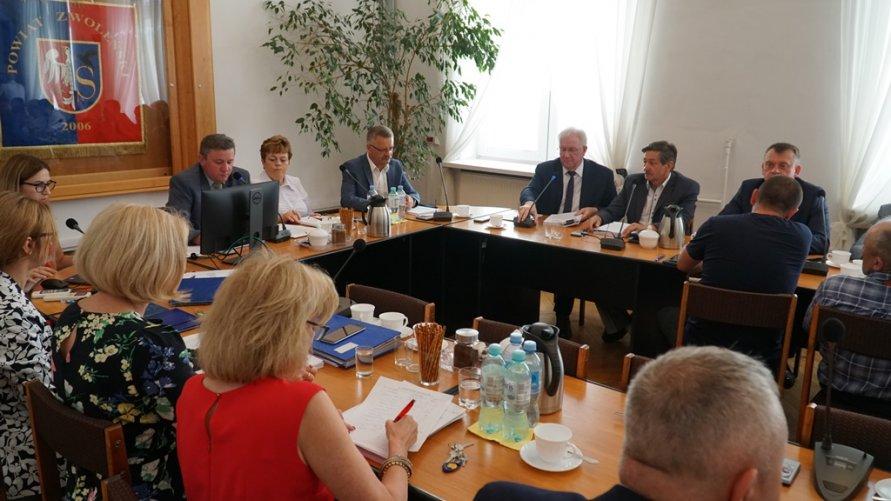Jest wotum zaufania i absolutorium dla Zarządu Powiatu w Zwoleniu