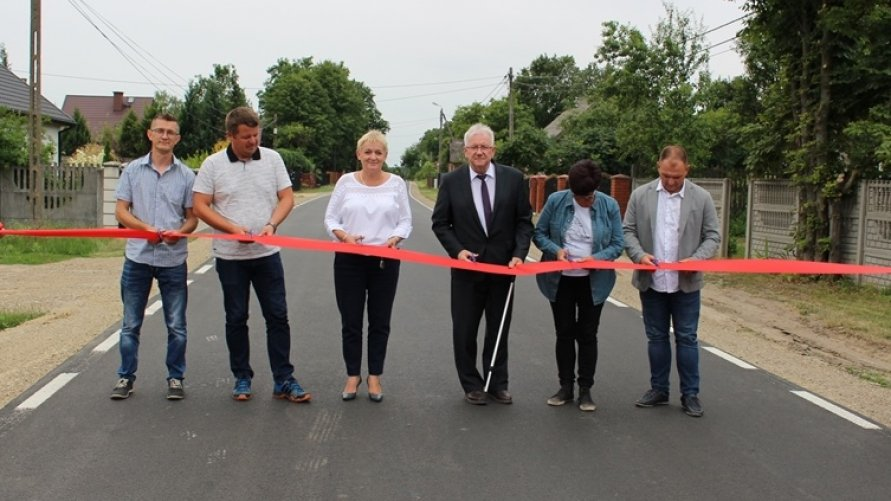 Zakończyła się przebudowa dróg powiatowych w gminie Kazanów